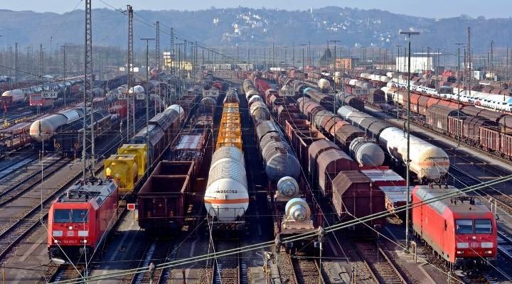 Переваги залізничних вантажних перевезень